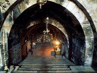 Jerusalem_Marys_tomb_lit.jpg