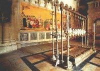Христовия гроб в храма