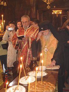 Сливенски митрополит Йоаникий и протодякон Стефан Марков