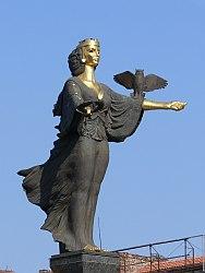 статуята на София
